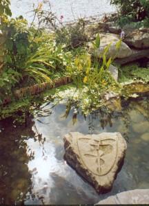 geomantische Lithopunktion im Feng Shui-Garten der Landesgartenschau Leverkusen
